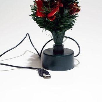 usb weihnachtsbaum f r stimmung zu weihnachten am pc mit. Black Bedroom Furniture Sets. Home Design Ideas