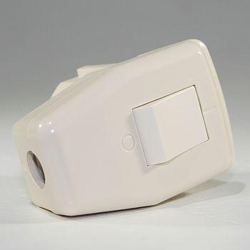 schuko winkelstecker mit schalter 230v 16a wei schukostecker ebay. Black Bedroom Furniture Sets. Home Design Ideas