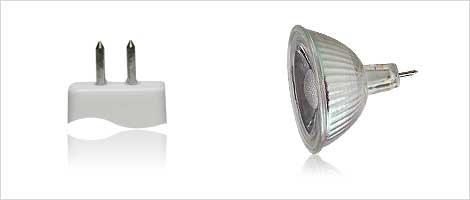 Light bulb with MR16 socket