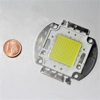 HighPower LED mit 100 LED-Chips in einer Linse