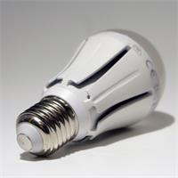 LED Leuchtmittel dimmbar mit 806lm Lichtstrom und geringem Energieverbrauch