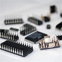 Set mit z.B. Verstärker, Stereo Decoder oder magnetempfindliche HALL-IC´s