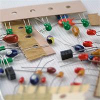 Bag Sortiment für elektronische Projekte in der Bastler-Werkstatt