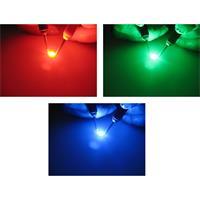 RGB SMD LED mit breit abstrahlenden Öffnungswinkel