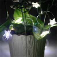 batteriebetriebene LED Mini-Lichterkette mit leuchtenden Sternen