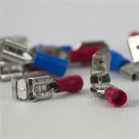 teilisolierte Steckhülsen mit Flachsteckverteiler 6,3mm