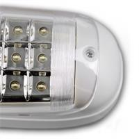 Fluchtwegbeleuchtung leuchtet bei Stromausfall mit kaltweißen LEDs