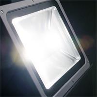 LED Fluter mit breitstrahlendem Licht von bis zu 120°