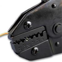Crimpwerkzeug mit effektiver Kraftübertragung durch kraftsparende Hebelübersetzung