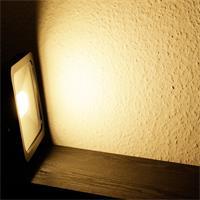 LED Außenstrahler Slim mit starken 2200lm Lichtstrom und der Leuchtfarbe warm-weiß