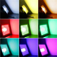 LED-Fluter in RGB-Farben mit IP44