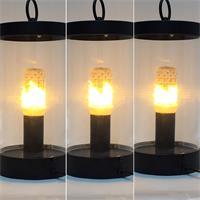 LED Glühbirne leuchtet wie ein warmes Feuer