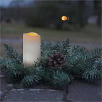 Blickfang auf Fensterbank, Bürotisch oder Theke in der Weihnachtszeit