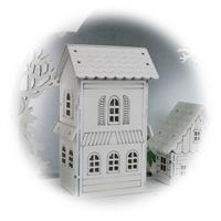 LED Kerzenleuchter mit filigrane Holzarbeit für Fensterdekoration