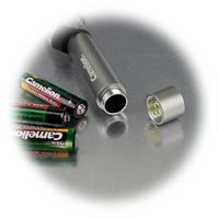 LED Taschenlampe mit 3x AAA Batterien im Lieferumfang