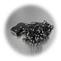 SMD LEDs im Abstand von 7cm auf schwarzem Kabel