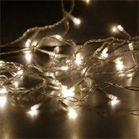 Lichtvorhang mit 80 warmweißen LEDs und transparentem Kabel
