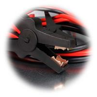 KFZ Pannenset mit roten und schwarzem Kabel zum Überbrücken