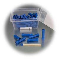 Verbinder für zwei Kabel mit blauer Kunststoffummantelung