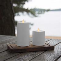 LED Deko Kerze mit Kunststoffmantel und warmweißem Lichtschein