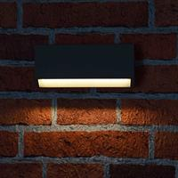 Warmweiß-leuchtende LED Außen-Wandleuchte