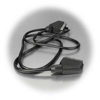 Verbindungskabel für zwei Geräten mit Scart-Anschluss