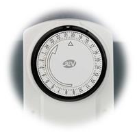 Mechanische Zeitschaltuhr mit 24h-Tagesprogramm