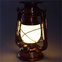 LED Laterne im Look einer Petroleumlampe mit warmweißem Licht