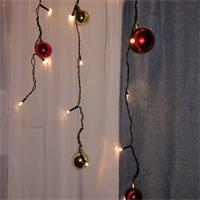 LED Weihnachtsdeko mit Kugeln und warmweißen LEDs