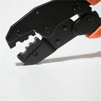 Crimpwerkzeug mit Ratschenfunktion für gleichmäßigen Anpressdruck