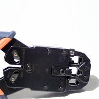 Profiwerkzeug mit exakten Crimpvorgang durch Parallelcrimpung