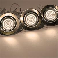 LED Einbauleuchten mit ca. 220lm Lichtstrom in einem schwenkbarem chrom-matten Rahmen