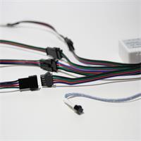 RGB LED Lichtband mit RGB Steckverbindern und IR Fernbedienung