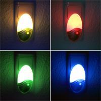 LED Steckdosenlicht mit 5-fachen Farbwechsel bei Dunkelheit