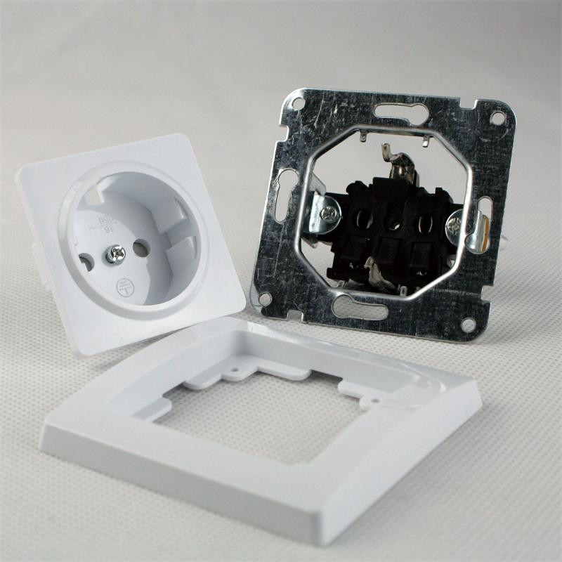DELPHI Schuko socket, 250V ~/16A, under plaster