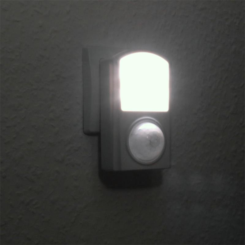 Night light with motion detector, 6 LEDs, 120°, 1W