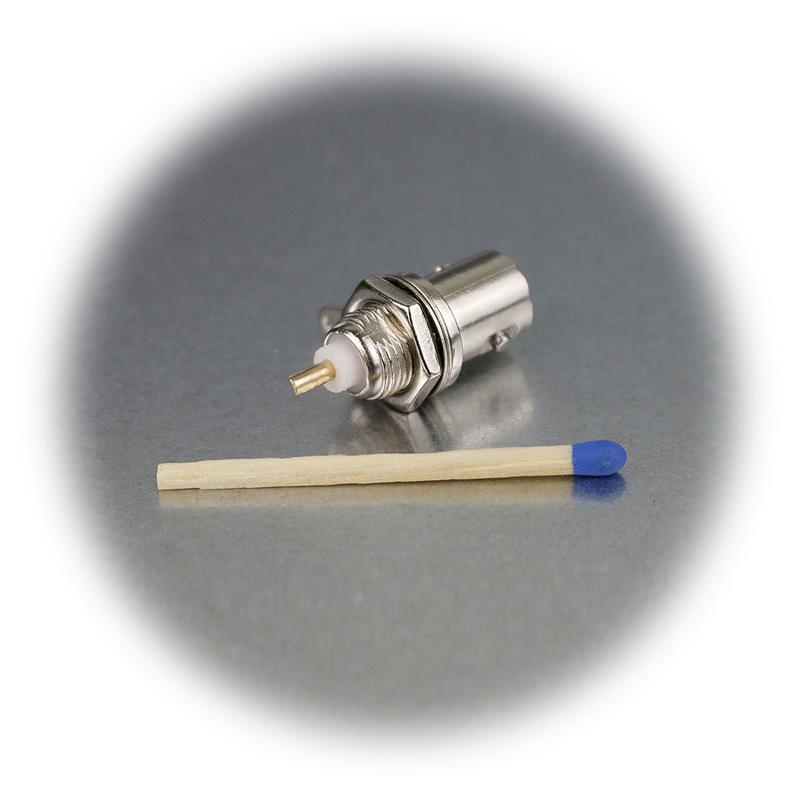 BNC-mounting socket with gold pin, coupling
