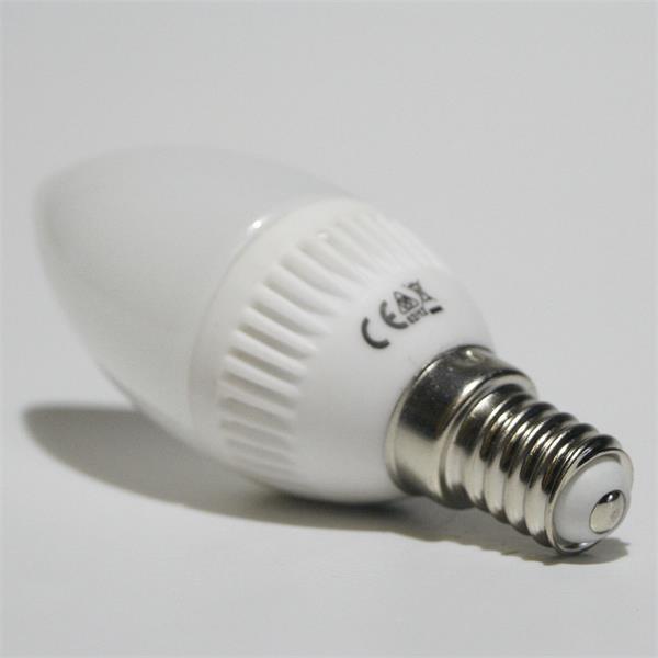 E14 LED Kerzenstrahler mit dem Maß 35x95mm und 12 SMD LEDs für ein harmonisches Licht