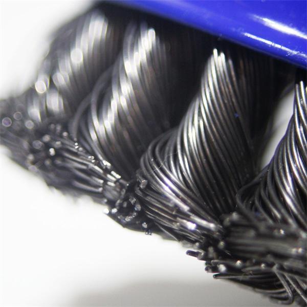 Maschinenbürste für Reinigungsarbeiten von Metall und Stein