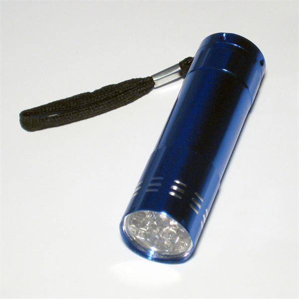 4 Stück Mini-LED-Taschenlampe viele Stunden Leuchtdauer mit einem Batteriesatz