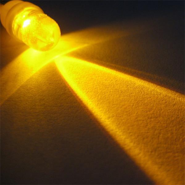 E10 LED Glühlampe 12V DC mit megaheller 10mm LED-Linse
