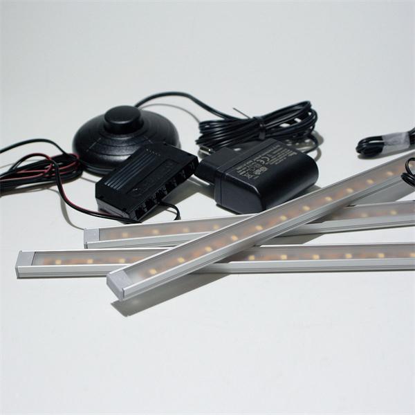 LED Unterbauleuchte im Aluminiumprofil und umfangreichen Zubehör