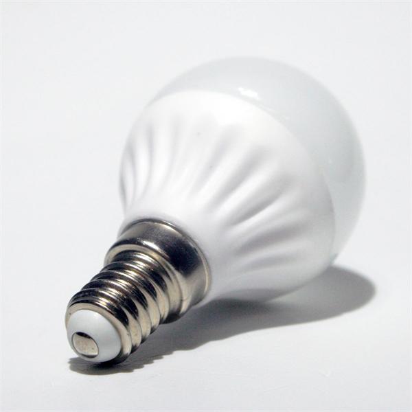 LED Lampe mit dem Sockel E14 für 230V und nur ca. 3W Verbrauch