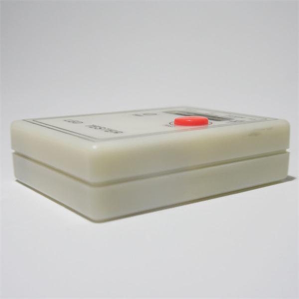 handliches Prüfgerät für LEDs auf Helligkeit und Funktion
