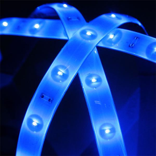 Verbindung der Lichtbänder mit Netzteil über Ministeckverbinder