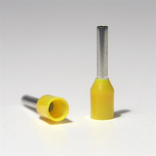 Hülsen mit galvanisch verzinnter Oberfläche und Kunststoffkragen
