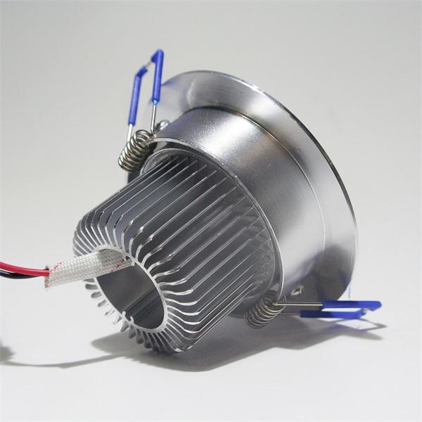 LED Leuchtmittel 230V in einem hochwertigem silber eloxiertem Aluminiumgehäuse