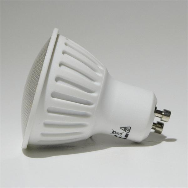 GU10 LED Spot mit dem Maß 50x60mm und abschließender Front mit Glas Cover