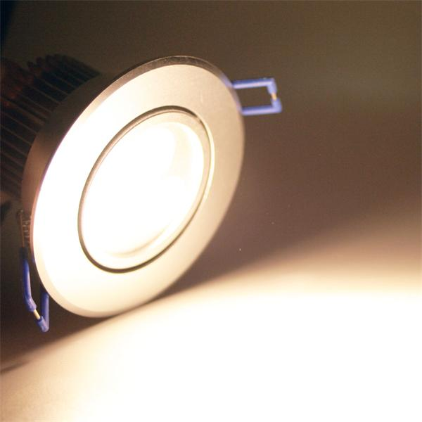 LED Einbauspot rund mit 3x 1W Hochleistungs-LEDs und ca. 240lm Lichtstrom