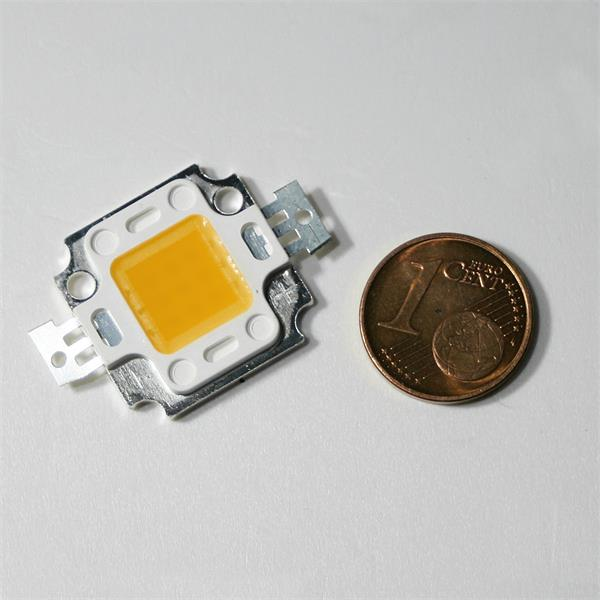 HighPower LED mit 9 LED-Chips in einer Linse